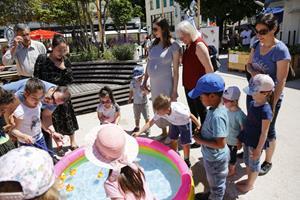 Kinderfest auf dem Rathausplatz von Vaduz
